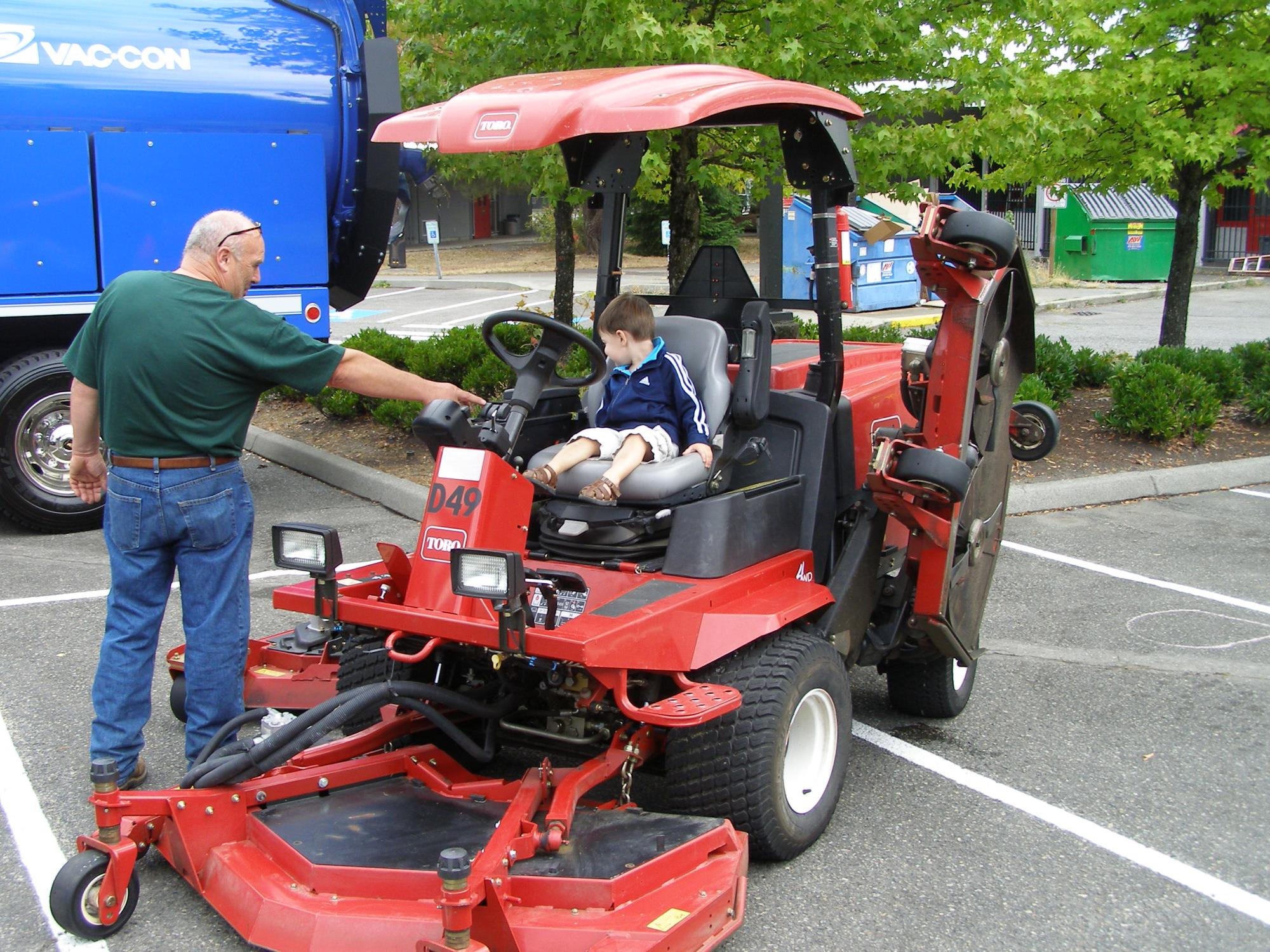 Touch-A-Truck_2